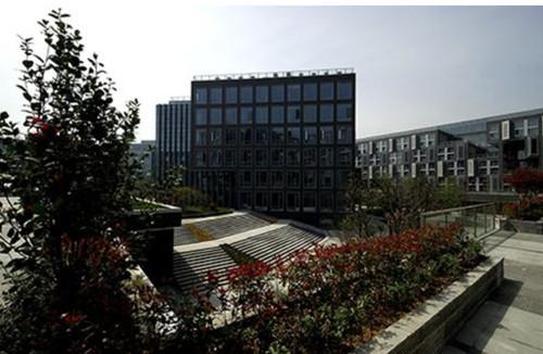 武汉创意天地办公楼外景图