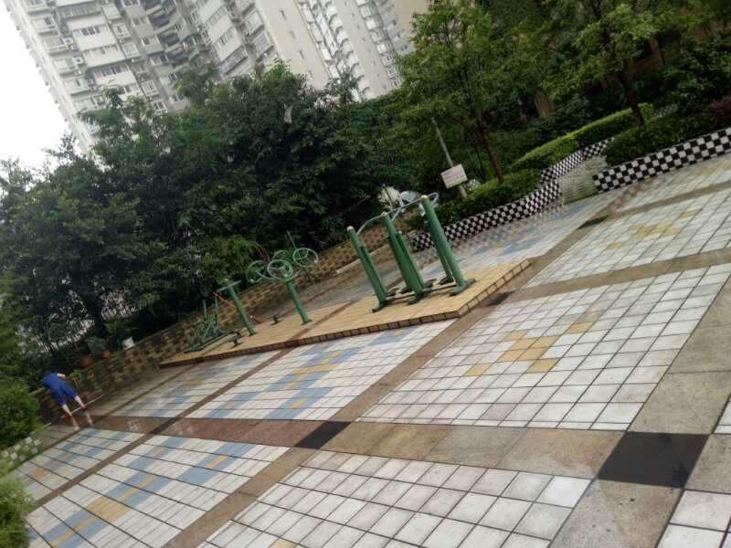 推推99重庆房产网正升百老汇外景图