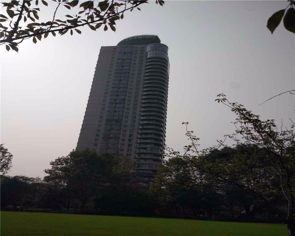 看完魔都美爆的落地窗豪宅,我哭了,而看完吉隆坡的,我却笑了